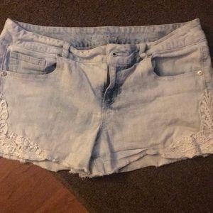 2/$10 EUC women's denim shorts